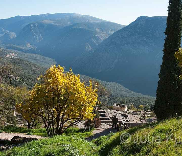 Delphi, Parnassos, the secrets of these holy places.              Δελφοί, Παρνασσός, τα μυστικά των ιερών αυτών τόπων