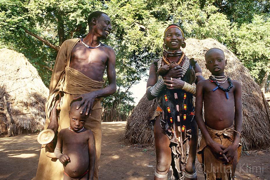007karo tribe064_0001