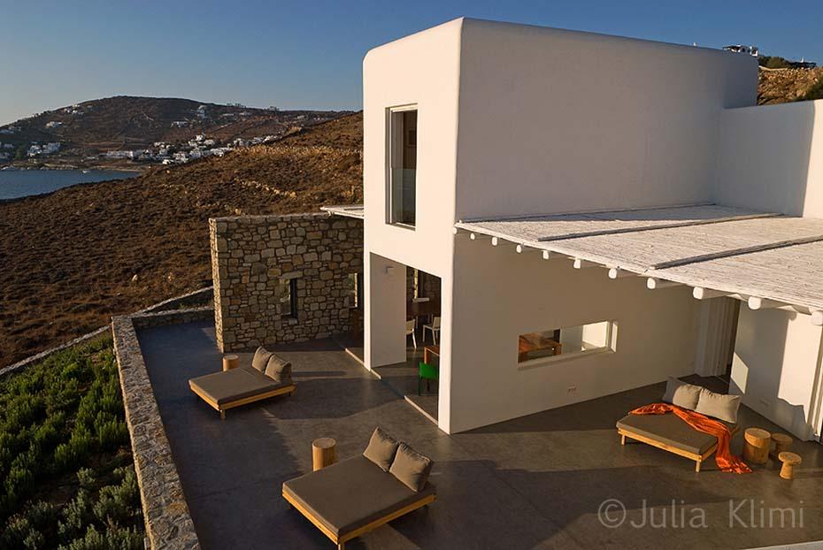 2DSC_0570a Modern house exterior in Mykonian landscape